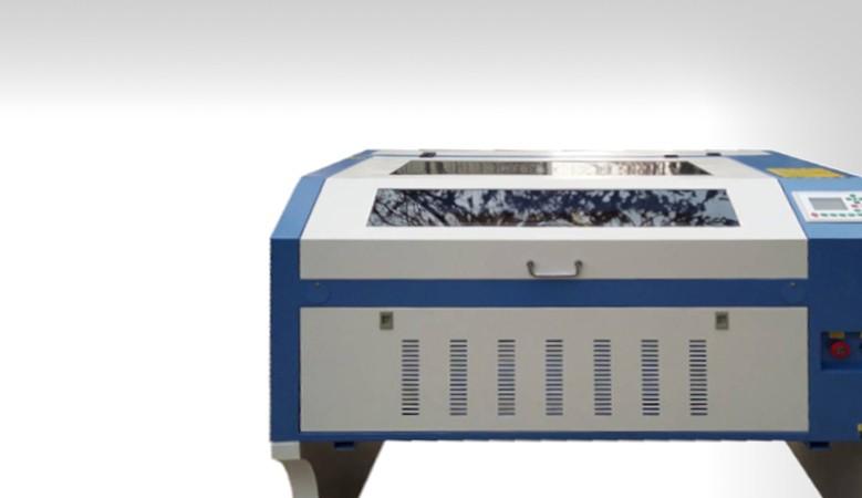 Idéal pour faire de la gravure et découpe laser co2 de petite et moyen taille a faible coût 60 cm par 90 cm